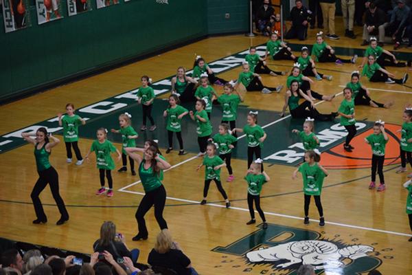 Tags Dance Teams New Members: Dance Team Members Mentor Young Dancers